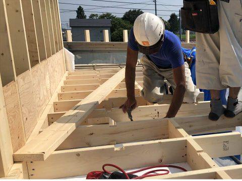 屋根の合板張り