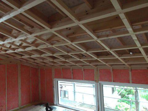 屋根の断熱材の下準備